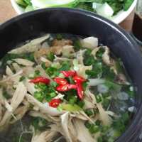 Mien Ga-Glass Noodle With Chicken Soup.